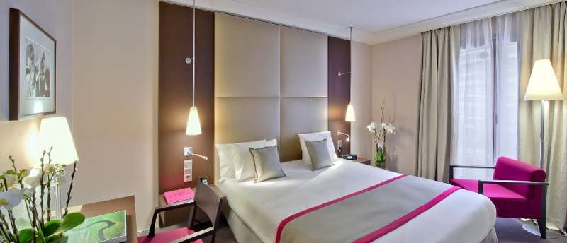City break Paris octombrie 2017 bilet de avion si hotel inclus