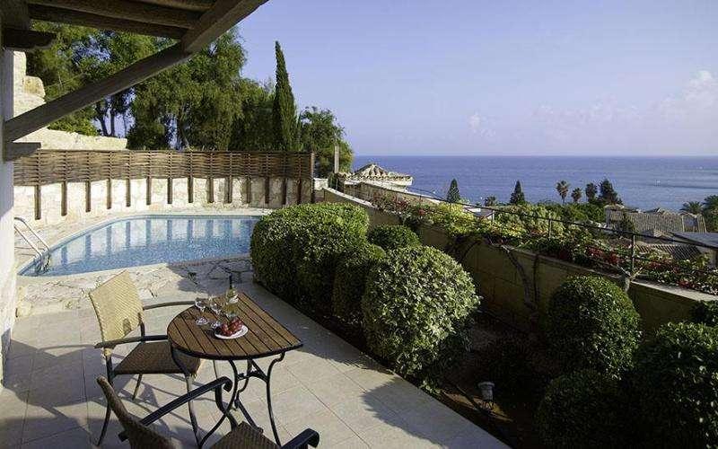 Charter sejur Limassol septembrie 2017 bilet avion, hotel si taxe incluse