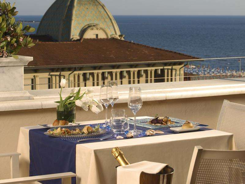 City break 2 in 1 Pisa si Cinque Terre aprilie bilet de avion si hotel inclus
