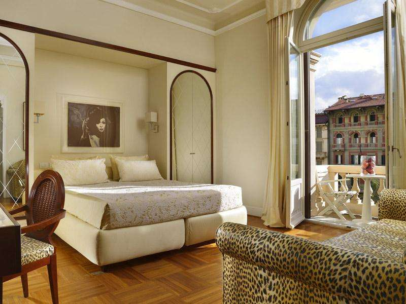 City break 2 in 1  Pisa si Cinque Terre octombrie 2017  bilet de avion si hotel inclus