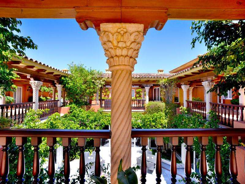 City break Andalusia aprilie bilet de avion si hotel inclus