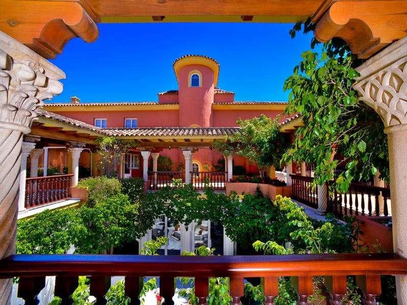 City break Andalusia vacanta 1 mai 2018 bilet de avion si hotel inclus