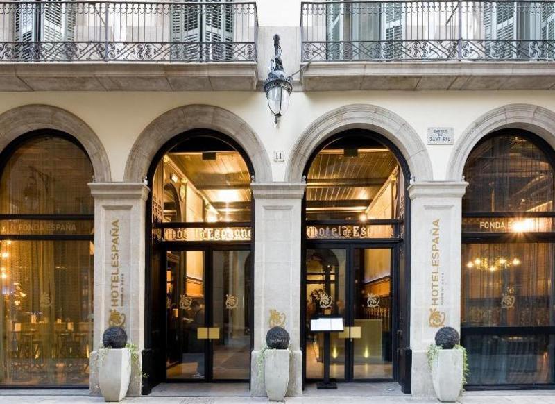 City break Barcelona aprilie 2018,  bilet de avion si hotel inclus
