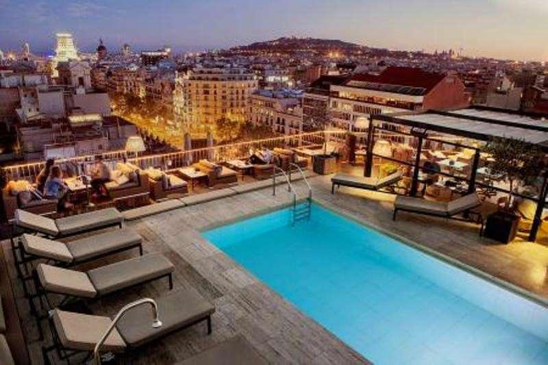 City break Barcelona februarie 2017,  bilet de avion si hotel inclus