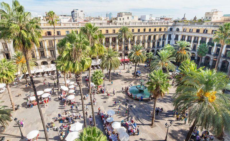 City break Barcelona mai bilet de avion si hotel inclus