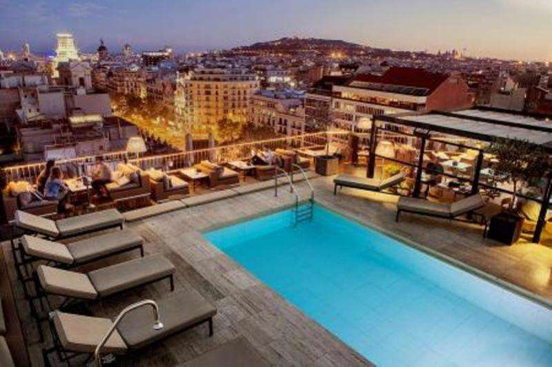 City break Barcelona octombrie 2017 bilet de avion si hotel inclus