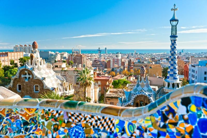 City break Barcelona vara 2018 bilet de avion si hotel inclus