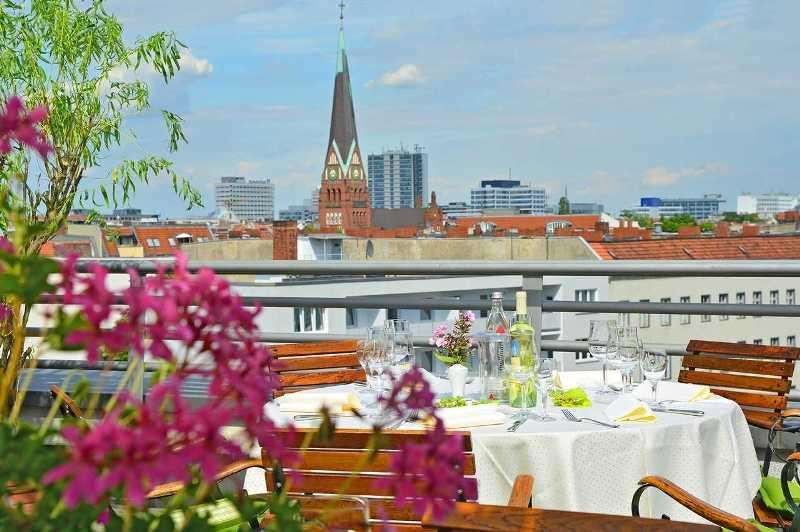City break Berlin aprilie 2018 bilet de avion si hotel inclus