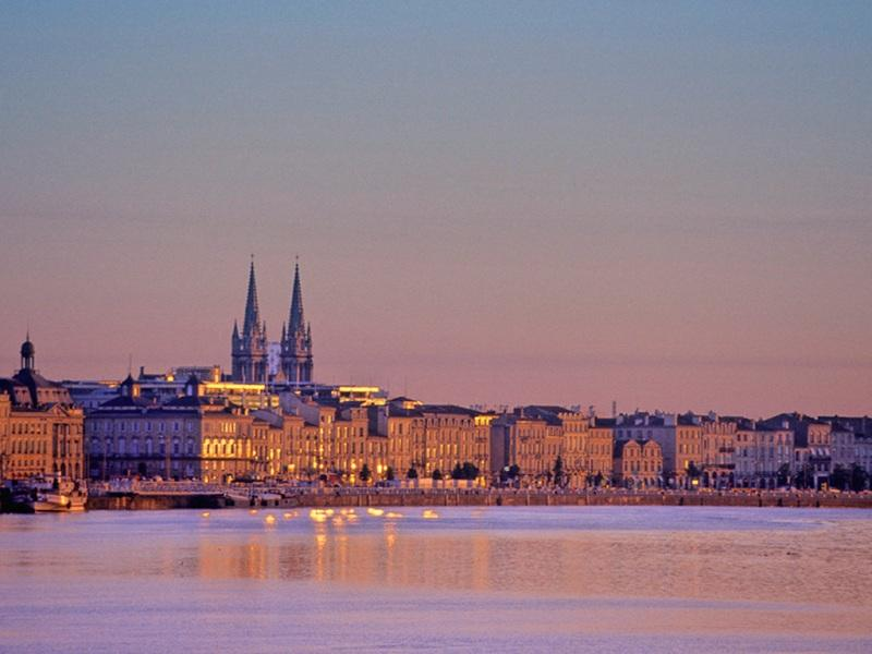 City break Bordeaux ianuarie bilet de avion si hotel inclus