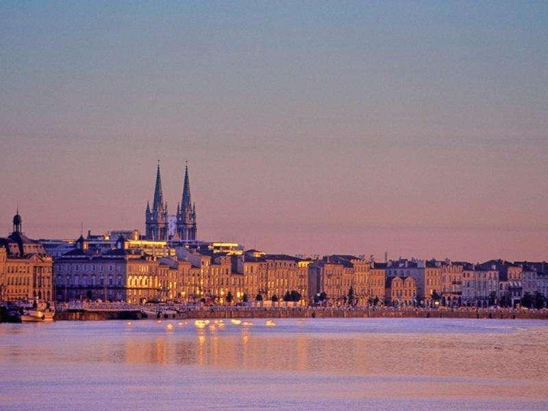 City break Bordeaux mai 2018 bilet de avion si hotel inclus