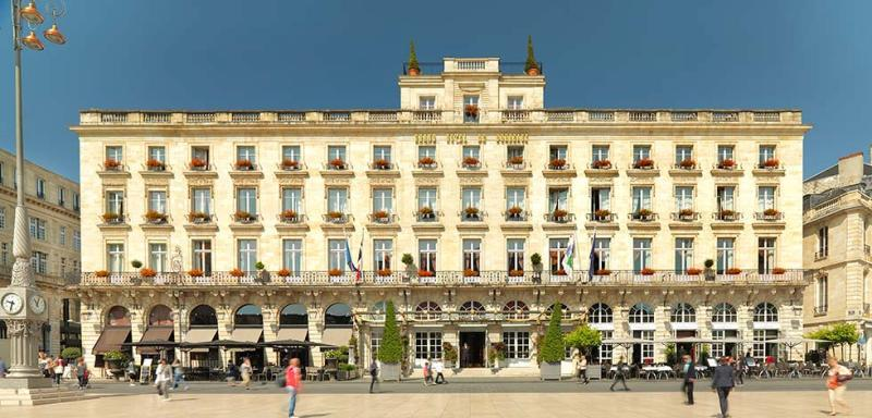 City break Bordeaux Mos Nicolae  bilet de avion si hotel inclus