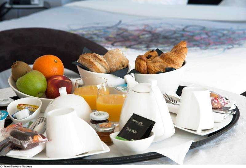 City break Bordeaux weekend liber Rusalii bilet de avion si hotel inclus