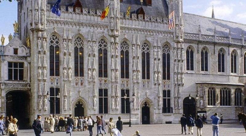 City break Bruges mai bilet de avion si hotel inclus