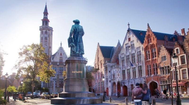 City break Bruges Mos Nicolae  bilet de avion si hotel inclus