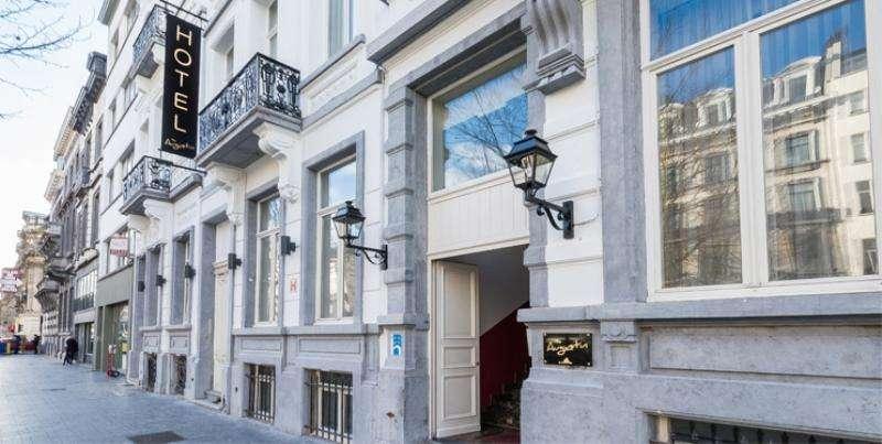 City break Bruxelles 2 adulti si 1 copil bilet de avion si hotel inclus