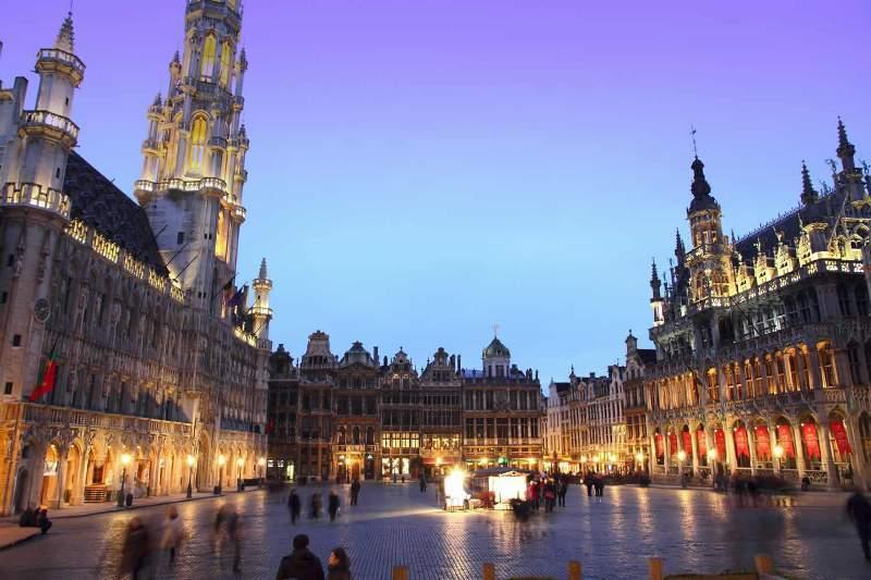 City break Bruxelles Revelion 2018 bilet de avion si hotel inclus