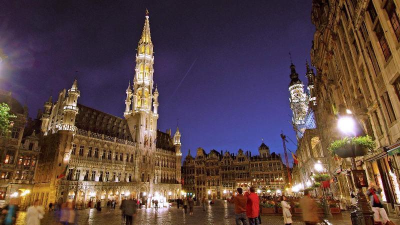 City break Bruxelles Revelion 5*  2018 bilet de avion si hotel inclus