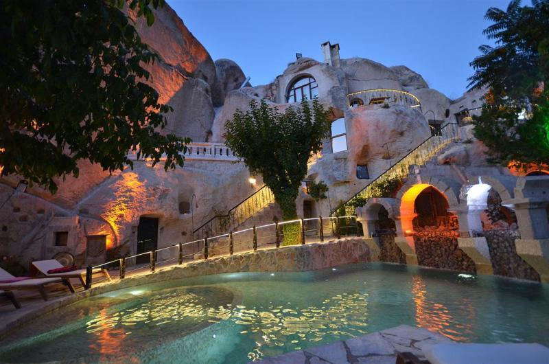City break Cappadocia ianuarie  bilet de avion si hotel inclus