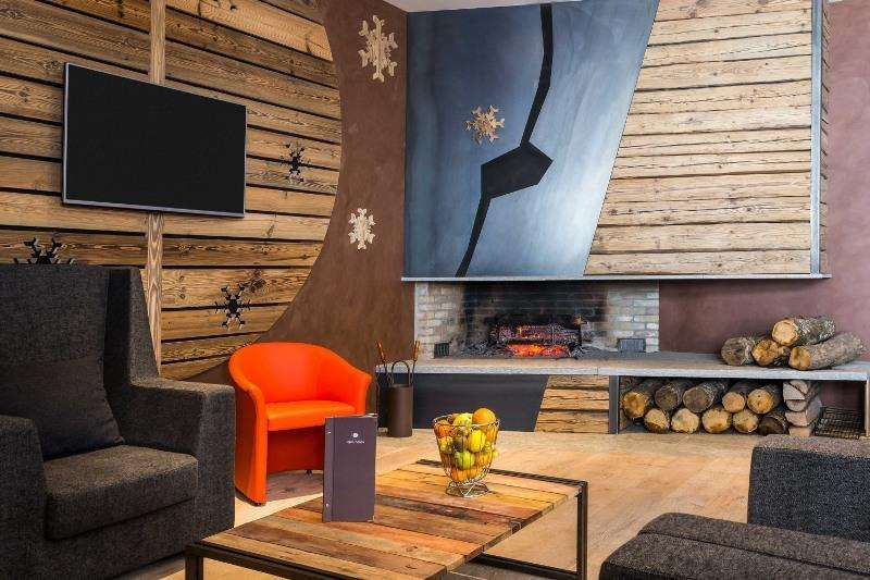 City break Chamonix august week-end Sf. Maria bilet de avion si hotel inclus