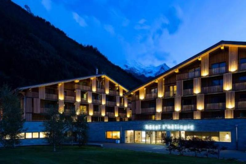 City break Chamonix Piata de Craciun bilet de avion si hotel inclus