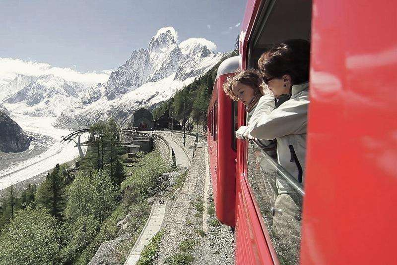City break Chamonix weekend liber Rusalii bilet de avion si hotel inclus