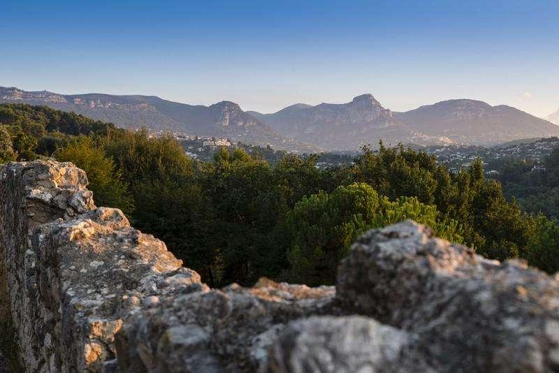 City break Coasta de Azur Nisa august week-end Sf. Maria bilet de avion si hotel inclus