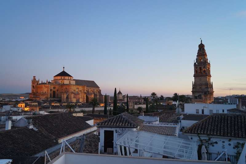 City break Cordoba Valentine's Day bilet de avion si hotel inclus