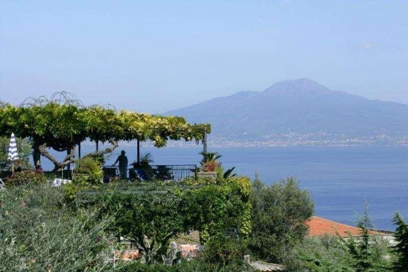 City break Costa Amalfi aprilie 2018 bilet de avion si hotel inclus
