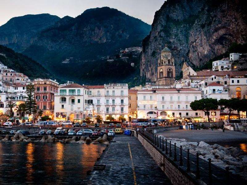 City break Costa Amalfi august 2017 bilet de avion si hotel inclus