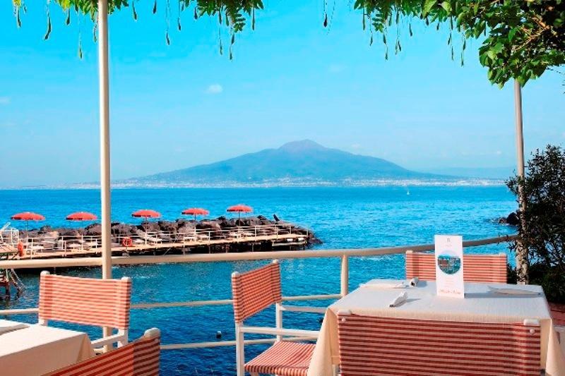 City break Costa Amalfi august bilet de avion si hotel inclus