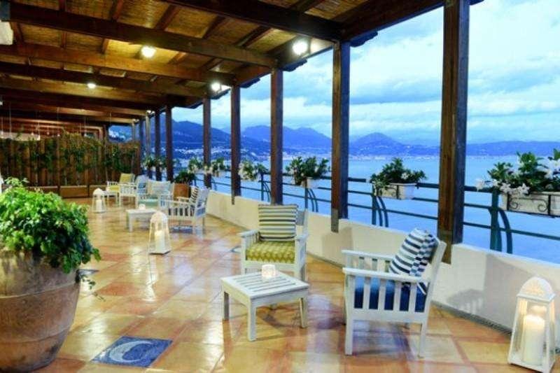 City break Costa Amalfi iulie 2018 bilet de avion si hotel inclus