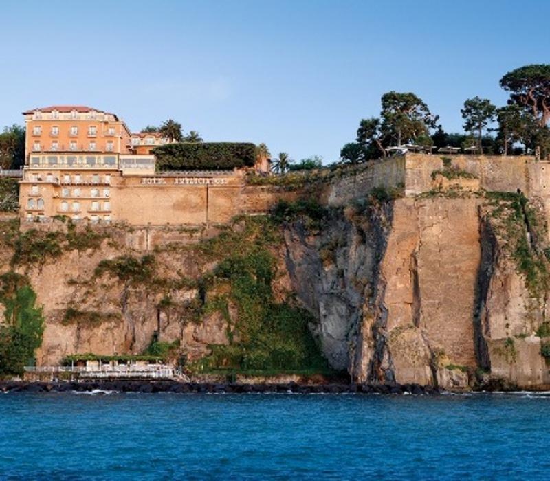 City break Costa Amalfi primavara 2018 bilet de avion si hotel inclus