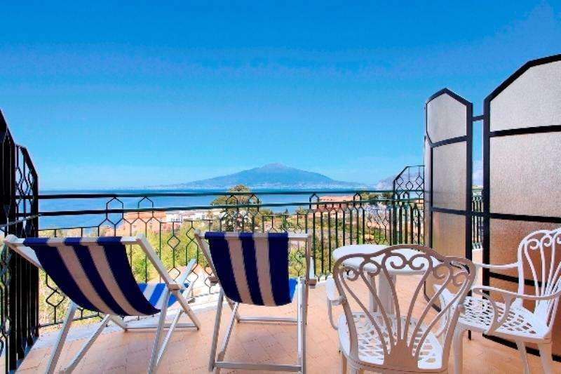 City break Costa Amalfi vara 2018 bilet de avion si hotel inclus