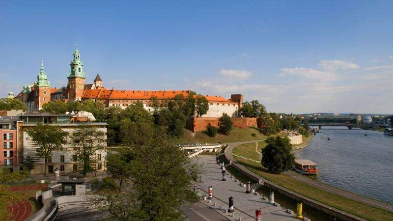 City break Cracovia noiembrie bilet de avion si hotel inclus