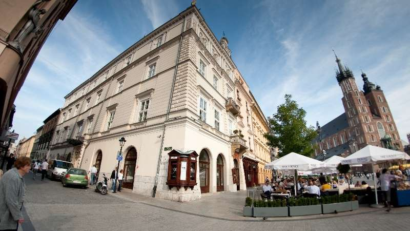 City break Cracovia aprilie bilet de avion si hotel inclus