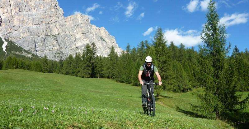 City break Dolomiti mai 2018 bilet de avion si hotel inclus
