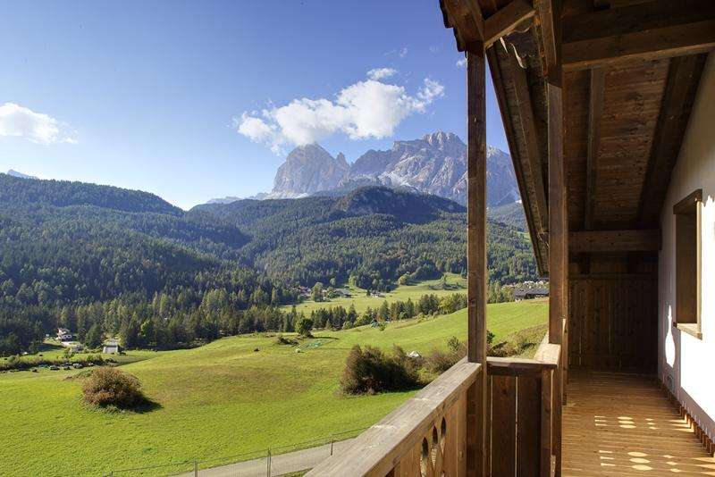 City break Dolomiti mai bilet de avion si hotel inclus