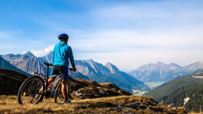 City break Dolomiti primavara 2018  bilet de avion si hotel inclus