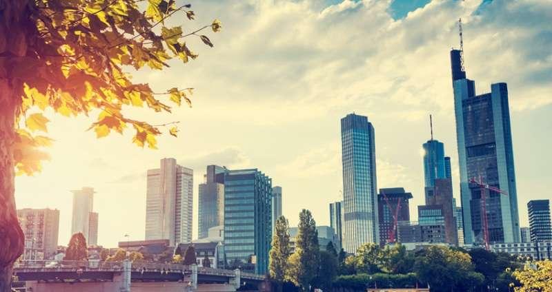 City break Frankfurt aprilie 2018 bilet de avion si hotel inclus
