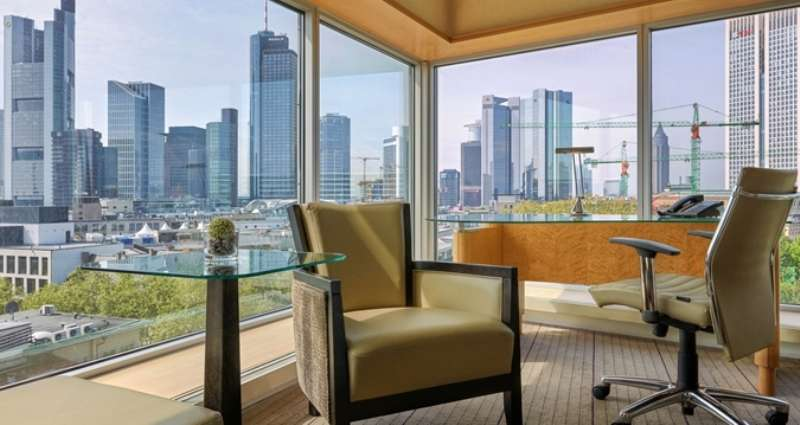 City break Frankfurt iulie bilet de avion si hotel inclus
