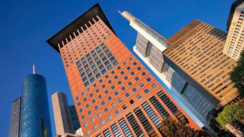 City break Frankfurt  noiembrie  bilet de avion si hotel inclus
