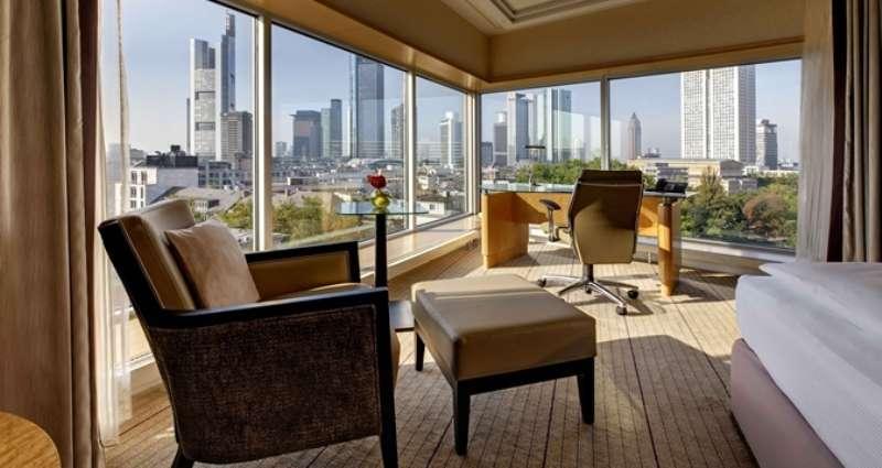 City break Frankfurt septembrie 2018 bilet de avion si hotel inclus