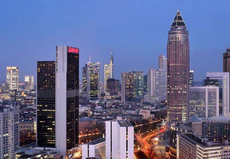 City break Frankfurt Valentine's Day bilet de avion si hotel inclus