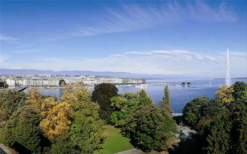 City break Geneva 2 adulti si 1 copil bilet de avion si hotel inclus