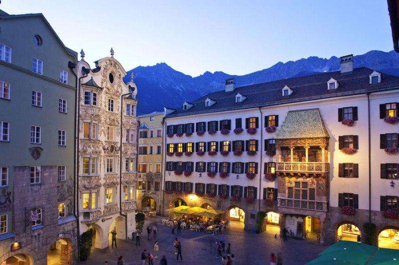 City break Innsbruck august  bilet de avion si hotel inclus