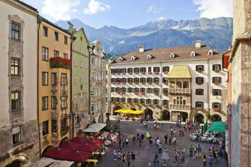 City break Innsbruck noiembrie bilet de avion si hotel inclus