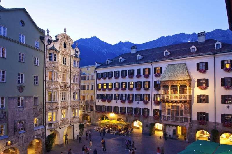 City break Innsbruck vacanta 1 mai 2018 bilet de avion si hotel inclus