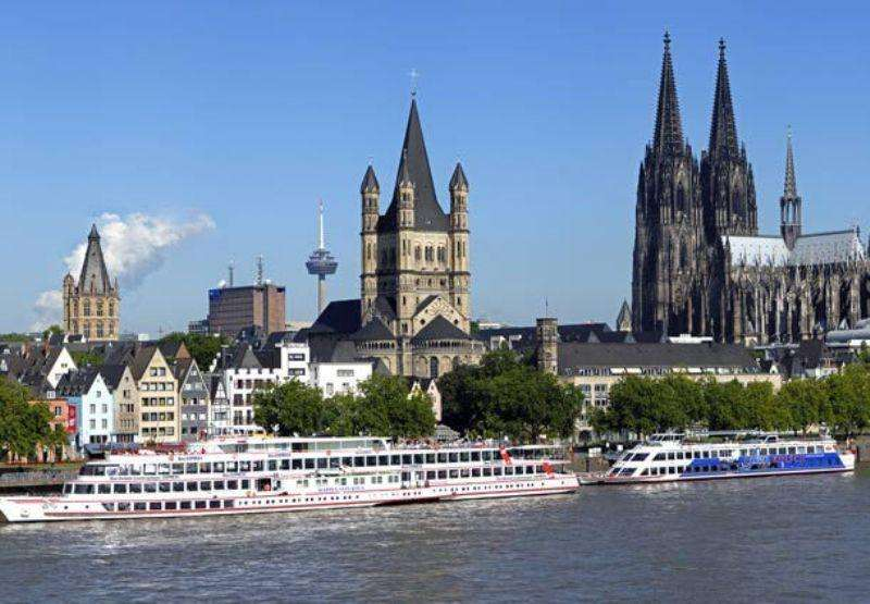 City break Koln aprilie bilet de avion si hotel inclus