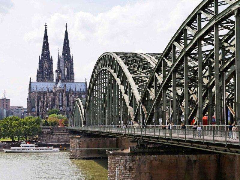 City break Koln august week-end Sf. Maria bilet de avion si hotel inclus