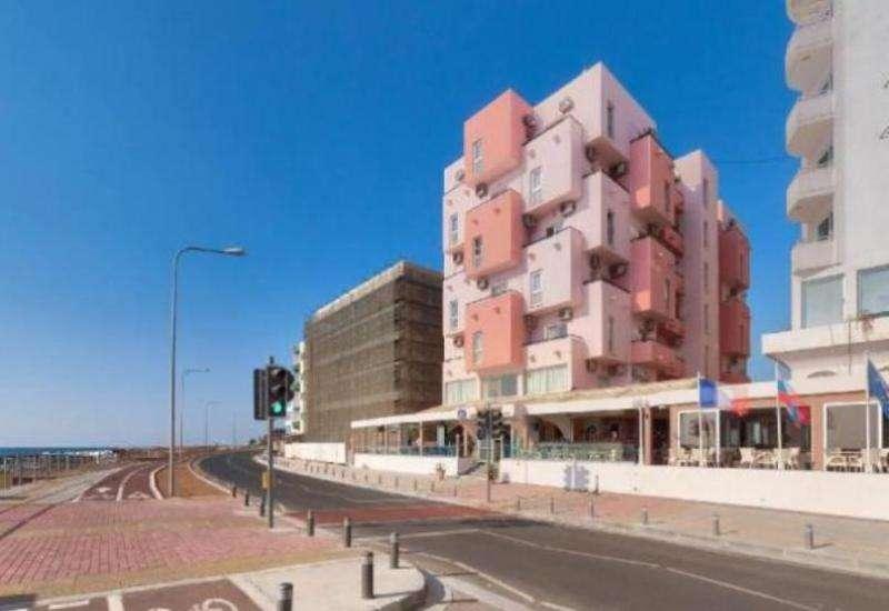 City break Larnaca august week-end Sf. Maria bilet de avion si hotel inclus